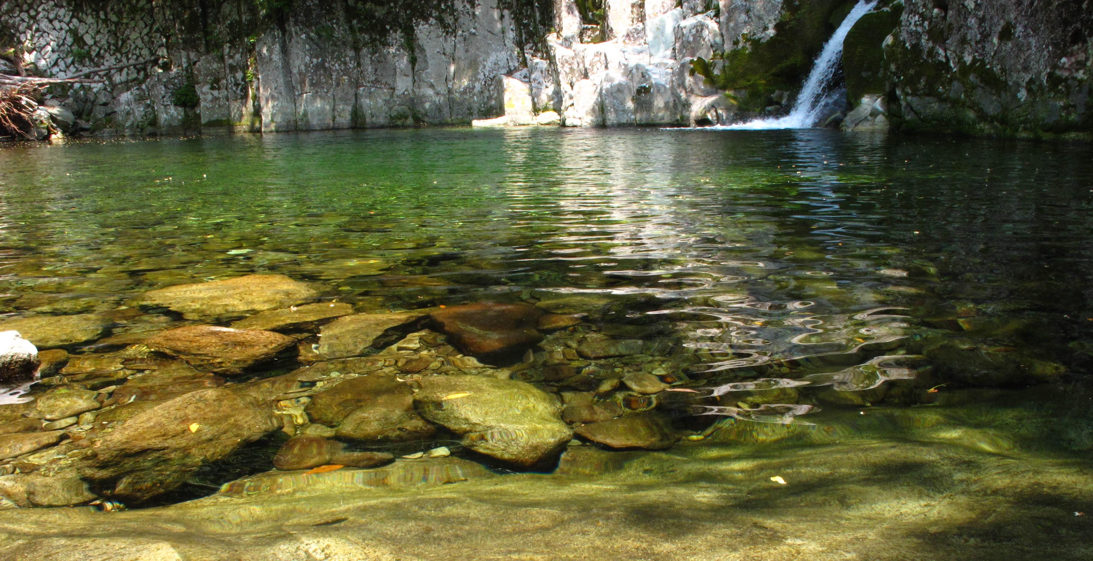 ツアーで訪れることが出来る滝 kumateng クマテング